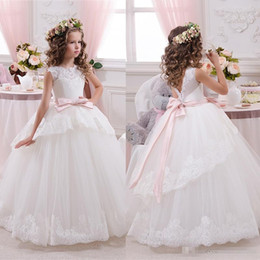 Wholesale Bridal Gowns For Kids - 2017 Cheap Lace Ball Gown Bridal Flower Girls Dresses For Wedding Party Princess Ruffle Bow Floor Length Tulle Kids Girls Pageant Dresses