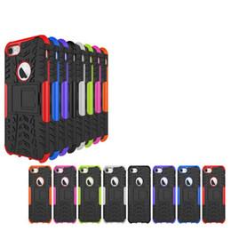 Skins camo iphone en Ligne-Kickstand Hybride Camo Case Pour iPhone 7 Plus iPhone7 I7 TPU PC Armure dure Araignée Carrée Rond Trou Trou Coloré Couverture Couverture