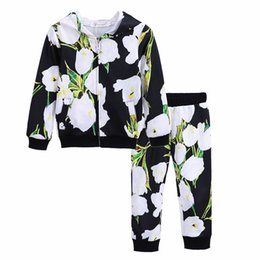 Wholesale Korean Casual Outfits - 2017 Spring Autumn Girls Tracksuits Korean Style Girl Zipper Flower Printing Hooded Coats+Pants 2pcs Sets Children Casual Outfits Kids Suit