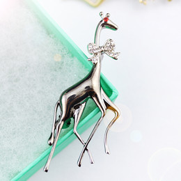 Wholesale Giraffe Scarves - Retro giraffe crystal two colors scarf pin high quality new design elegant fashion concise classic brooches scarf pin GLN810
