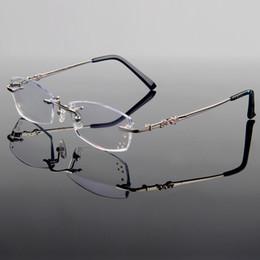 Atacado-New Faddish Luxo Titanium Alloy Frame Óptico Mulheres Estilo  Diamante Aparar Cortar Óculos sem aro com lentes Gradient Tint 9ebee3944f