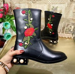 Wholesale Designer Shoes Boots Ladies - 2017 Winter luxury embroidery snow Boot For Woman Quality Slip-on shoes outdoor Fashion women Designer genuine leather ankle boots ladies 21