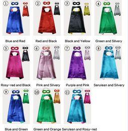 Capas de natal on-line-Dupla Face Cape and Mask com 2 cores diferentes 11 cores 70 * 70 cm Capes para Crianças Natal Halloween Cosplay Prop Trajes A08