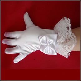 Wholesale Cheap White Fingerless Gloves - 2016 Short Flower Girl Fingerless Gloves Satin Bead Lace Children White Winter Kids Princess Bridal Accessories Cheap In Stock Free Shipping