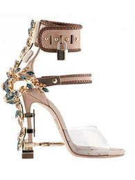 sperrschuhe Rabatt Mode-Design Spitz High Heeled Peep Toe Damen Sandalen Wein Strappless Rhinstone Verschluss-Sommer-Schuhe Frau Qualitäts-Sandalen