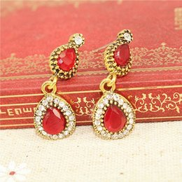 Wholesale Diamond Stud Drop - Are OL color gold with Diamond Stud Earrings Red resin drop shaped female models are not allergic to alloy jewelry wholesale