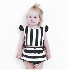 Wholesale Cute Striped Shorts - 2017 Children's Striped Sets Infant Baby Girls Flutter Sleeve T-shirts with short pants babies Summer Fashion cute outfits