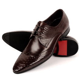 Wholesale Point Coffee - Serpentine fashion black coffee pointed toe mens dress shoes wedding shoes genuine leather business shoes