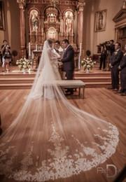 Lunghi bei belli online-Nuovo arrivo 4 metri di pizzo One Layer lunghi velo da sposa bianco avorio bellissimo velo da sposa con pettine accessori da sposa