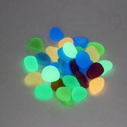 Tanque de pescado ligero online-Piedra de Glow Solar Simulación Ligero Piedra Guijarro Luminoso Para Home Fish Tank Decor Garden Corridor Decoraciones Envío Gratis