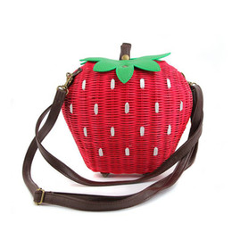 Wholesale Knit Strawberry - Wholesale- 2016 Cute Fruit Bags Casual Strawberry Handmade Woven Women Shoulder Beach Bag Girls Rattan Straw Knitted Portable Handbag MF