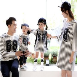 Wholesale Vertical Stripes Fashion - Mommy and me family dress mother dauther vertical stripe dress father son digital printed long sleeve T-shirt girls princess dress R0383