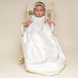 2019 robes de baptême en soie Robe de baptême blanche pour bébé avec coiffure 1 an de robe d'anniversaire élégante pour le nouveau-né - 2 ans Bébés filles