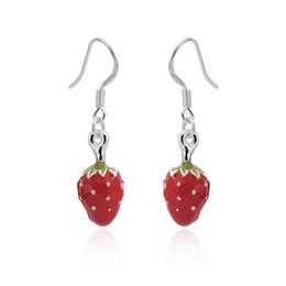 Venta al por mayor de fábrica mujeres de plata de ley cuelgan los pendientes de cobre rojo fresa regalos de boda joyería envío gratis desde fabricantes