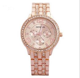 Geneva reloj bandas online-Pulsera de cadena de la flor de la perla de imitación de Ginebra Mujeres Pulsera de reloj de dial de cuarzo analógico 1PC Ladys Rose de oro con pulsera de cuarzo de la banda de acero de diamantes