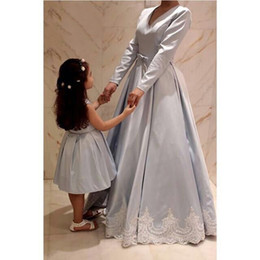 Wholesale pictures match - 2018 Ball Gown Mother and Daughter Matching Gowns with V Neck Tea Length Lace Bow Evening Gowns Light Blue Little Girl Pageant Dresses