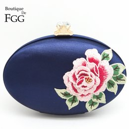 Wholesale Shell Wedding Bag - Wholesale-Women Satin Silk Embroidery Red Rose Flowers Party Wedding Bridal Shoulder Handbags Purses Metal Clutches Evening Clutch Bags