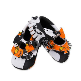 Wholesale Wholesale Retro Sneakers - Newborn Hallowee Shoes 2017 First Walker Baby Shoes Infant Toddler Shoes Retro Fringe Kids Sneakers Photo Props Accessories Clothing K057