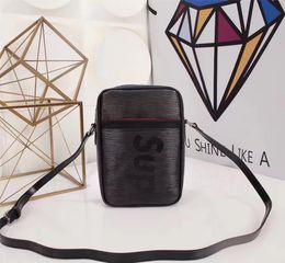 Wholesale D Letters - 2017 new design italy Pocket clutch famous brand pocket Water ripple handbag messenger bag envelope leather letter england style have logo