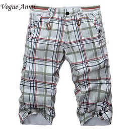 Wholesale Hot Slacks - Wholesale-Hot Summer Men Classic Plaid Design Cotton Shorts Casual Beach Short Pants Brand Famous Slacks High Quality,3616#