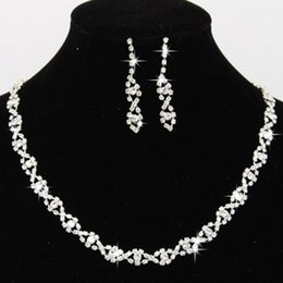 Wholesale Jewellery Sets For Brides - 2017 Bling Crystal Bridal Jewelry Set silver plated necklace diamond earrings Wedding jewellery sets for bride Bridesmaid Accessories CPA796