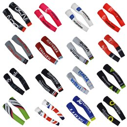 Wholesale New BORA GCN CAS DATA SCOTT SKY pro team Bike Arm Warm Kit Cycling Arm Warmers Bicycle Riding Arm Sleeves Outdoor Bike Bicycle Cover