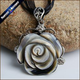Wholesale Chain Carving - SorcerKeeper Collares 2017 Natural Mother of Pearl SeaShell Hand-carved Flower Chain Necklace Pendants Vintage Bijoux Women Jewelry BK003