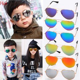 Wholesale Aviator Blue Sunglasses - 2017 Hot New Fashion Boys Kids Sunglasses Aviator Style Design Children Sun Glasses Anti UV400 Protection Retro Sunglasses Oculos SV020172