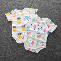 2019 esmoquin de 18 meses Mamelucos del bebé verano algodón fruta triángulo impreso recién nacido bebés de manga corta mameluco Nueva llegada 2017 INS