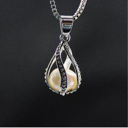 Wholesale Chain Drop Necklace - 2017 luxury Screw water fluorescent condole drop high-grade fresh Pearl oysters lover locket Pendant statement necklaces for girls Jewelry
