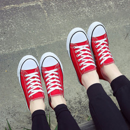Wholesale Cheap Canvas Pictures - 2017 new low-top canvas shoes wholesale, cheap anti-skid breathable student shoes, women shoes and bags match, the latest design picture