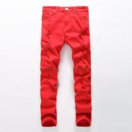 Calças de hip hop de zíper branco on-line-Atacado-Newest homens rasgado jeans preto vermelho branco zipper hip hop jeans mens punk rock afligido biker jeans calças jeans elásticas plus size