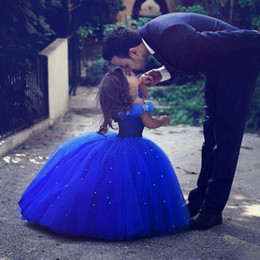 Wholesale Cute White Party Dresses - Cute Royal Blue Ball Gown Girls Pageant Dresses Off Shoulder Tulle Floor Length Infant Toddler Birthday Party Dresses Cupcake Dresses
