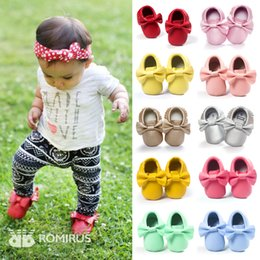 Wholesale Pink Fringe - 19 colors Retail NEW Styles PU leather Baby Soft shoes Fringe Moccasin Shoes Bow design mocs Top quality baby girls shoes