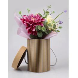Argentina Caja de flores coreana de alto grado Abrazo caja de regalo de trompeta Wave Point Florista de rayas ramo de flores paquete de 13 * 13 * 18 cm 1pc Suministro
