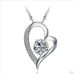 Wholesale Heart Diamond Pendants - Luxury Diamond Crystal Love Heart Pendant Necklace Women Clavicle Chain Necklace 925 Silver Plated Jewelry Wedding Lovers Gifts Wholesale