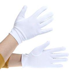 Белый шорты для женщин онлайн-100 пар / Лот женщины мальчик студент ребенок Белый короткие атласные чувствовать перчатки держать цветок девушка производительность танец упругие варежки