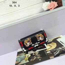Wholesale Embroidery Wallets - fashion Wallets embroidery Holders 2017 New arrive Luxury wallet Hand-made top quality rectangle Wallets size 19*9*3 model 171954003