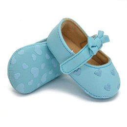 Wholesale Cribs For Baby Girls - Wholesale- Toddler Baby Girls Bowknot Crib Shoes Anti-Slip Love Print Prewalkers For 0-18M 3 Colors