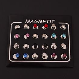 Canada Boucles d'oreilles magnétiques 4 MM sans trou rond cristal magnétique Aimant boucles d'oreilles pour les femmes hommes Punk boucles d'oreilles C82-C86 Offre