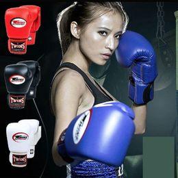 Los gemelos pelean el guante de boxeo Todo el tamaño libre de combate gimnasio manopla Muay Thai entrenamiento deporte equipo de protección desde fabricantes