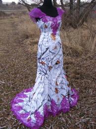 Vestido de novia morado blanco boda online-Vestidos de novia Camo blanco Sirena larga vestido de novia con el velo del barrido tren vestido de encaje púrpura con cordones blusa en el vestido formal 2017