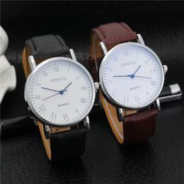 Наручные часы Модные платья Часы мужские и женские часы Кожаные кварцевые часы Синий свет Личность Случайные часы Relogio W0108 от Поставщики кожаное освещение