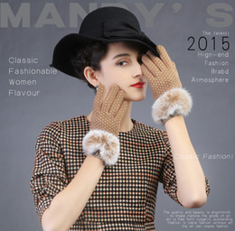 Wholesale Korean Fingerless Gloves - Wholesale- 2015 round dot gloves kwaii cute korean style model show Winter women gloves lovely fashion keep warm Touch screen lady gloves
