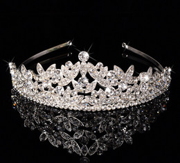 Wholesale White Bridal Veil Sparkles - Luxury Bridal Crown Cheap but High Quality Sparkle Beaded Crystals Roayal Wedding Crowns Crystal Veil Headband Hair Accessories Party Tiaras