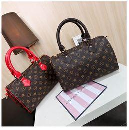 Wholesale Stamped Bag - Genuine Leather speedy Top quality 30 handbag shoulder bag speedy 25 with strap designer handbags Ladies tote can hot stamping letter(M40390