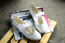 Wholesale Simple Flat Wedding Shoes - Round-Toe Ballerina Flats Wedding Shoes Lace Ribbon and Bow Bridesmaid Accessories Going out Shoes Pretty Dress-up Simple Casual Design