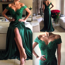 Wholesale Vintage Green Dresses - 2017 New Emerald Green High Split Sexy Prom Dresses Off the Shoulder A Line Vintage Lace Top Red Carpet Evening Gowns BA4296