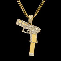 Encantos de jóias com pistola on-line-Novas Mulheres Homens Rifle Pistol Colar Iced Out Rhinestone Cristal Charme Ouro Revólver Colar de Pingente de Moda Hip hop Jóias