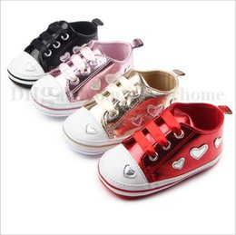 Wholesale Toddler Girl Polka Dot Shoes - Baby Moccasins Toddler Soft Soled Shoes Infant First Walker Shoes Newborn Fashion Sneakers Girls Shoes Booties Prewalker Kids Footwear B1794